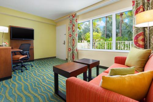 fairfield-inn-suites-key-west-bedroom-suite