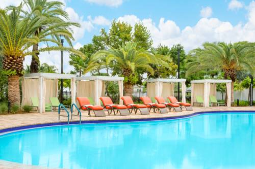 fairfield-inn-suites-key-west-pool